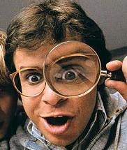 """Rick Moranis no filme """"Querida, encolhi as crianças"""""""